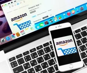 Neue Rekorde bei Amazon amazon Neue Rekorde über die Weihnachtszeit bei Amazon shutterstock 232596253 300x251