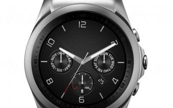 Ein Smartphone an der Hand: LG Watch Urbane LTE