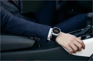 Bild_LG Watch Urbane LTE_4 urbane lte Ein Smartphone an der Hand: LG Watch Urbane LTE Bild LG Watch Urbane LTE 4 300x198