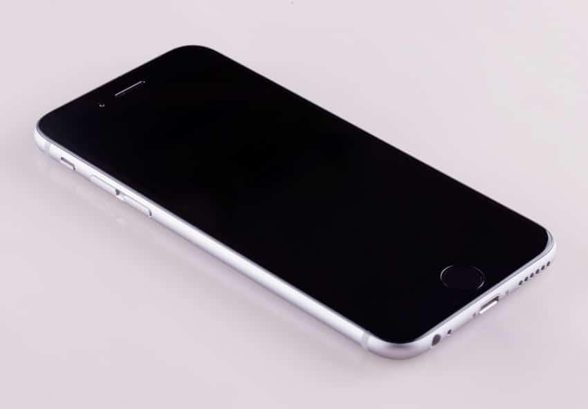 Apple iPhone 6  Samsung Galaxy S6 gegen Apple iPhone 6 – Plagiat? shutterstock 234137404 850x591