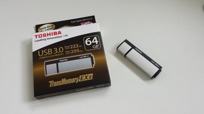 Toshiba Transmemory-EX II Lieferumfang Transmemory-EX II Toshiba THNV64OSUSILV Transmemory-EX II 64GB Speicherstick USB 3.0 20150427 161504 e1430407210754 680x382
