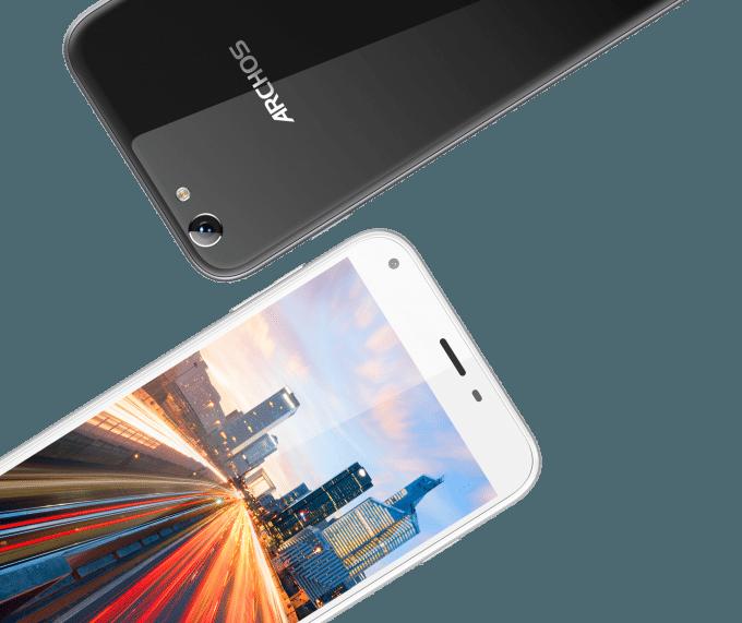 Archos 55 Helium Plus  archos Archos präsentiert günstige Smartphones aus der Helium-Reihe ARCHOS 55 Helium Front white Back black large 07 680x571