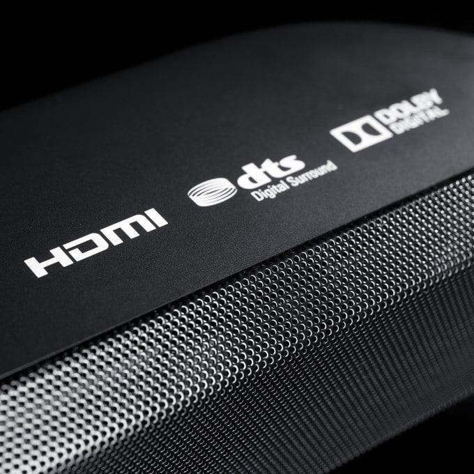 Teufel Cinebar 11 mit HDMI-Anschluss cinebar 11 Teufel Cinebar 11: teuflischer Sound, der zu überzeugen versucht cinebar 11 cb 11 sb detail hdmi x72