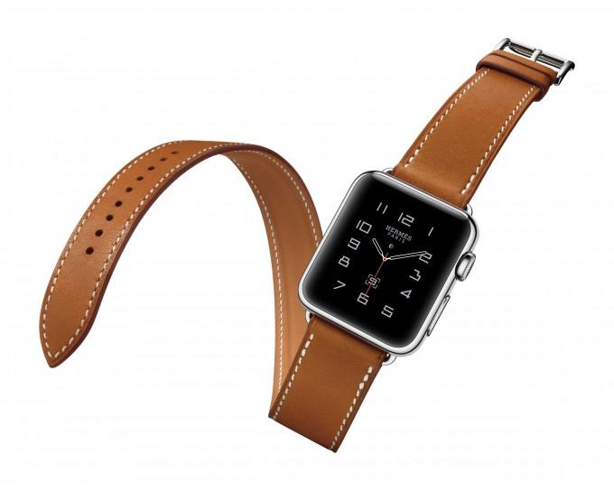 Apple Watch: Hermès-Armband lässt sich zweimal um den Arm wickeln Apple Watch Apple Watch: Kollektion wird erweitert – Hermès startet mit Lederarmband Hermes DoubleTour Hero PRINT 680x544