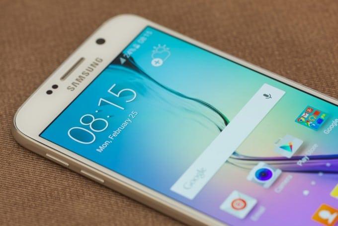 Sparen beim Kauf des Samsung Galaxy S6 Edge Samsung Galaxy S6 Einheitsbonus: 100 Euro Cashback-Aktion beim Kauf des Samsung Galaxy S6 (Edge) shutterstock 278948849 680x454
