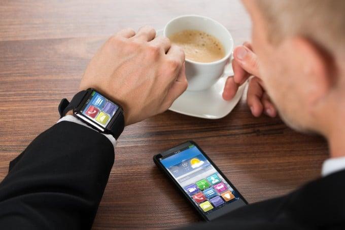"""Stiftung Warentest testet Smartwatches smartwatch """"Noch nicht massentauglich"""" – Stiftung Warentest testet Smartwatches shutterstock 280796318 680x454"""