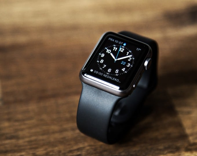 Apple Watch Verbtrieb wird in Deutschland gestärkt Apple Watch Apple Watch kommt Ende September zu Gravis shutterstock 296169194 680x539