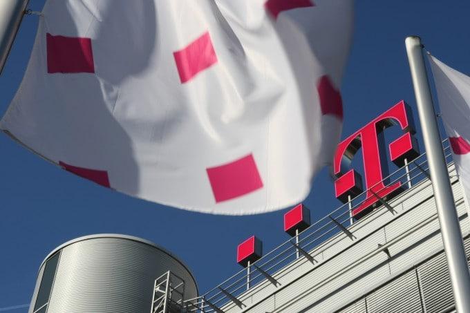 mTANs wurden bei Telekom gehackt telekom Online-Banking: mTAN-Verfahren im Netz der Deutschen Telekom unsicher Dach Zentrale Flagge 1 680x453