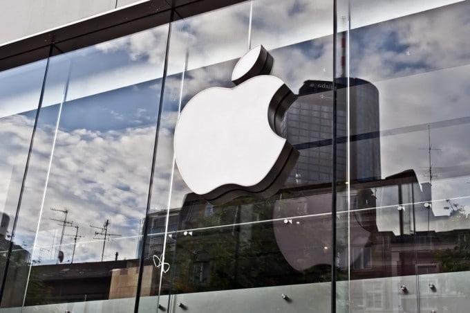 Apple mit Jahresrekord apple Apple stellt Jahresrekord auf – Quartalszahlen erneut übertroffen shutterstock 206196790 680x452