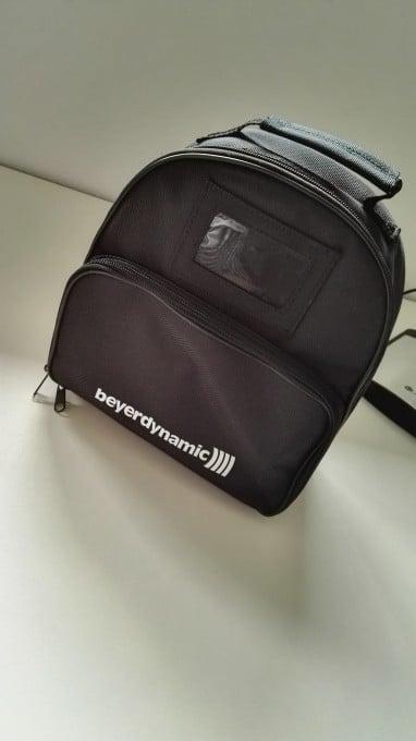 """Der Beyerdynamic MMX 300 wird in einer Tasche geliefert beyerdynamic mmx 300 Beyerdynamic MMX 300 im Test: der """"Kopfhörer ist unschlagbar"""" IMG 20151105 101846 382x680"""