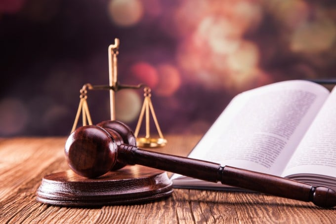 Patentstreit zwischen Apple und Samsung Samsung Samsung zahlt Teilbetrag im Patentstreit mit Apple Patentstreit zwischen Apple und Samsung 680x454