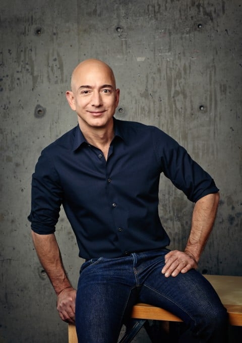 Amazon Chef Jeff Bezos Amazon Amazon möchte eigene Spielfilme drehen – Fußball Bundesliga und Weltmeisterschaft sind ebenfalls interessant bezos final 0404 480x680