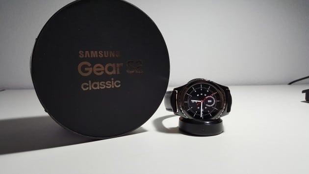 Samsung Galaxy Gear S2 - die Verpackung samsung gear s2 Samsung Gear S2 im Test – ein Handschmeichler der überzeugen kann 20151120 181558 630x354
