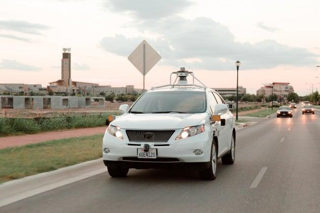 Google Car baut Unfall Google Car Google Car baut ersten Unfall Google Car baut Unfall 630x420