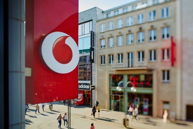 Vodafone: eine Störung jagt die andere vodafone Vodafone auf Tiefgang: dritter Ausfall innerhalb weniger Wochen 19104346488 126dfe1d36 o 660x440