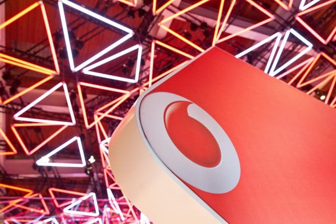 Vodafone Vodafone GigaDepot und neue RED-Tarife – Datenvolumen kann in nächsten Monat mitgenommen werden 18235951485 ce561e9ba9 k 660x440