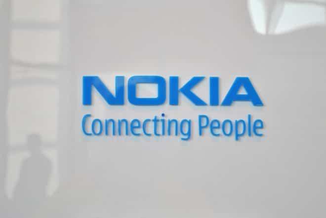 lo-c nokia feature phone nokia Microsoft verkauft Nokia-Teile an Foxconn Nokia Logo 660x442