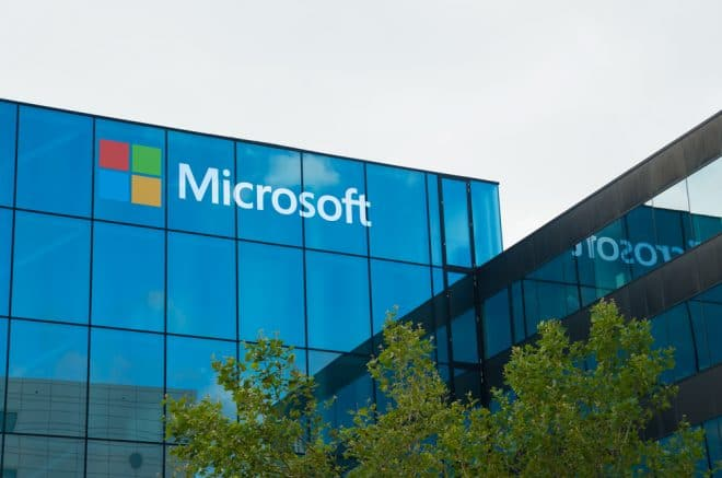 lo-c microsoft Microsoft Microsofts langer Abschied von Windows Phone shutterstock 327595109 660x437