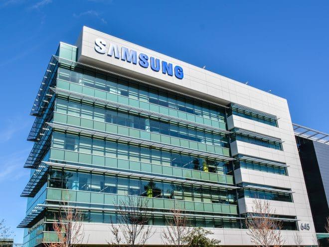 lo-c samsung samsung Gerücht: Samsung soll 2017 erstes faltbare Smartphone präsentieren shutterstock 379900408 660x495