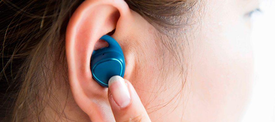Samsung präsentiert kabellose Fitness-Kopfhörer Gear IconX