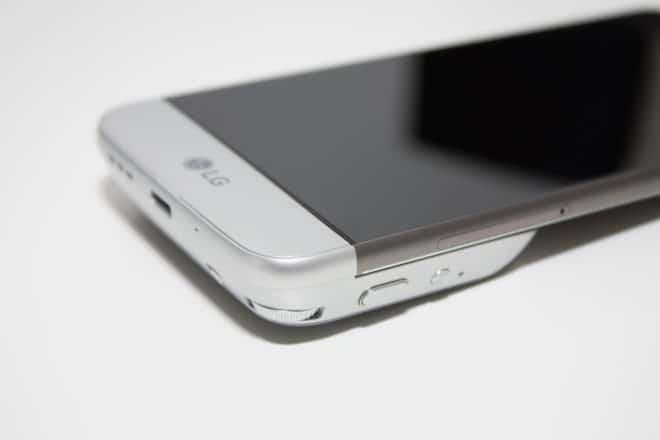 lg g5 Getestet: Das LG G5 mit dem Kameramodul LG Cam – modulare Wunderwaffe Kameragriff am G5 Oberseite 1 660x440