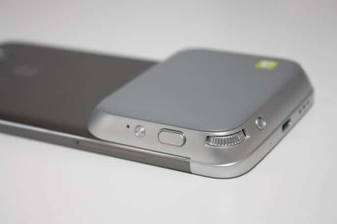 lg g5 Getestet: Das LG G5 mit dem Kameramodul LG Cam – modulare Wunderwaffe Kameragriff am G5 Unterseite 1 660x440