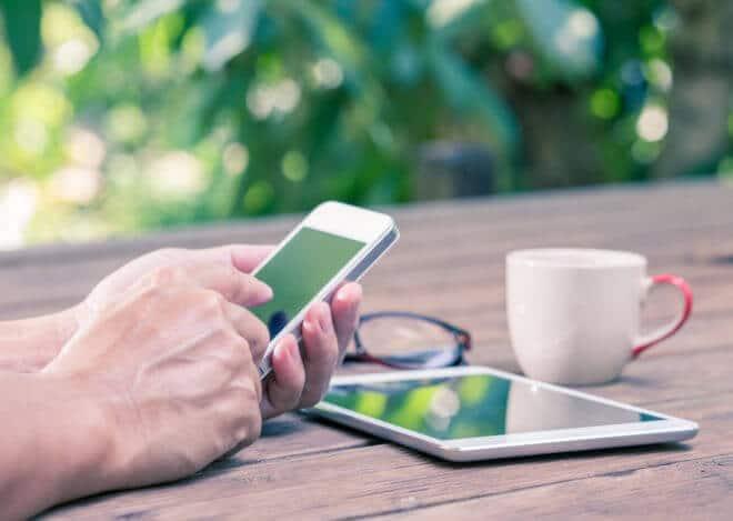 ac-c smartphone tablet Bluetooth 5 Bluetooth 5 vorgestellt: schneller, stabiler, weiter – perfekt für das Internet der Dinge shutterstock 213269284 660x469