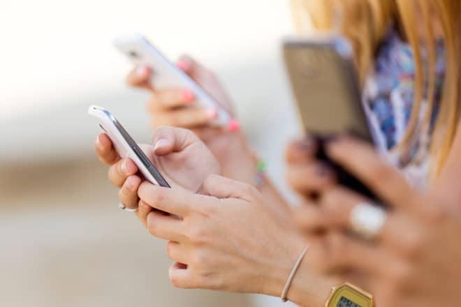 ac-c smartphone bluetooth 5 Am 16. Juni wird Bluetooth 5 mit vielen Neuheiten enthüllt shutterstock 220478947 660x440