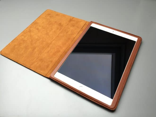 Kavaj_Berlin_offen  Kavaj Berlin – Edle iPad Pro Lederhülle IMG 3260 660x495
