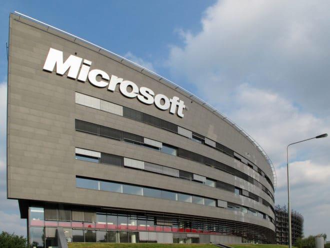 lo-c microsoft Microsoft Gerichtsurteil: amerikanische Firmen müssen keine ausländische Daten aushändigen shutterstock 114533239 660x495