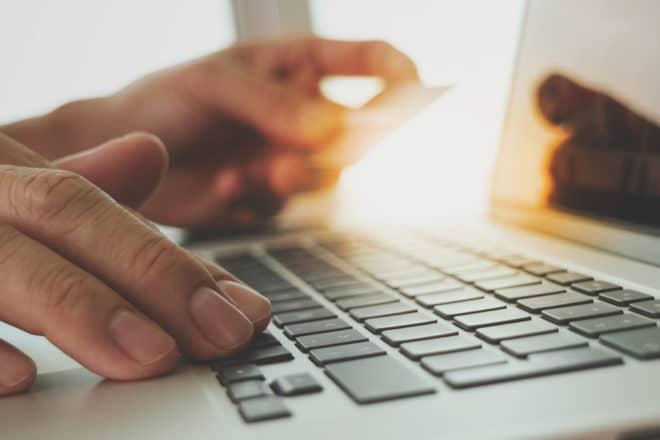 ac-c internet onlinehändler onlineshoping online Onlinehändler Gefahr Internet: immer mehr Onlinehändler sehen ihre Existenz bedroht shutterstock 347729252 660x440