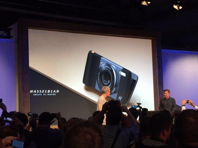 Moto-Z-Hasselblad Lenovo Moto Z Play: Smartphone mit großem Akku und Hasselblad-Kameratod auf der IFA Moto Z Hasselblad 660x495