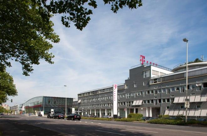 lo-c telekom Telekom Deutsche Telekom: europaübergreifendes Netz steht kurz vor dem Start aussenaufnahme 02 660x434