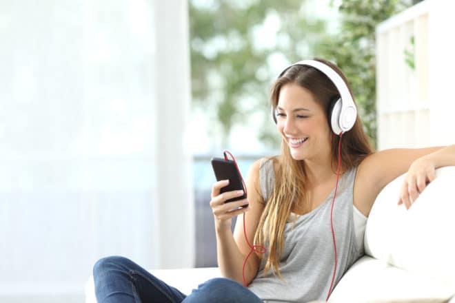 ac-c musik streaming Streaming Stiftung Warentest vergibt für Apple Music, Spotify und Amazon schlechte Bewertungen shutterstock 324352766 660x440