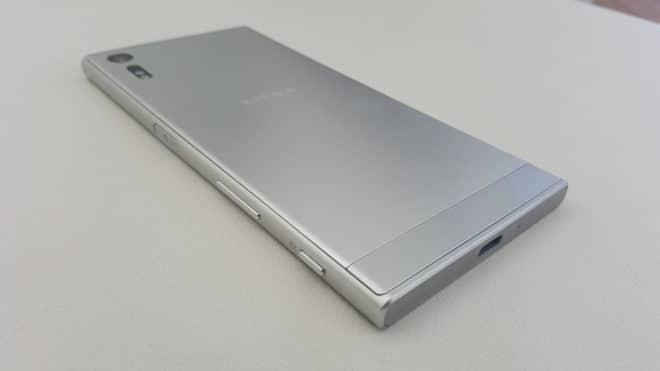Sony-Xperia-XZ-4  Sony Xperia XZ: Schnell, wasserdicht und mit guter Kamera Sony Xperia XZ 4 660x371