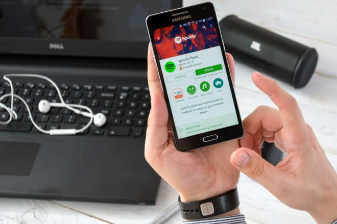 lo-c spotify spotify Spotify hängt Apple Music ab – 40 Millionen zahlende Kunden bigstock 146431556 660x439