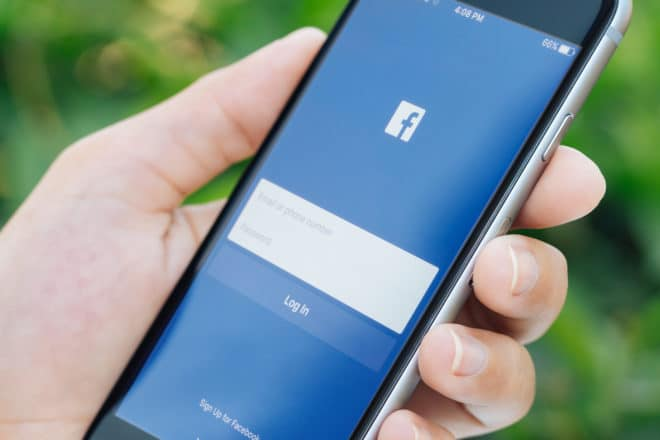 lo-c facebook Facebook Facebook verbessert Zwei-Faktor-Authentifizierung bigstock Bangkok Thailand Feb 119281691 660x440