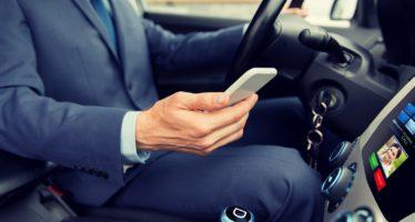 Gefahr Smartphone: Handys auf der Autobahn größte Ablenkungsquelle