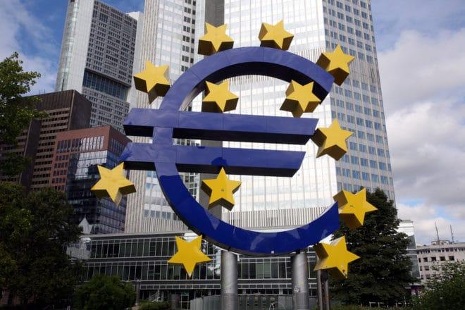 ac-c bank geld euro PhotoTAN Hacker überwinden PhotoTAN – mehrere Banken von Schwachstelle betroffen bigstock 143837465 660x440