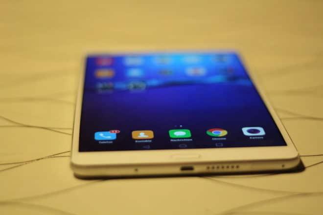 Auch von weiter weg sind die Inhalte auf dem Display zu erkennen. mediapad m3 Testbericht: Huawei MediaPad M3 – der neue iPad Killer? IMG 7349 660x440