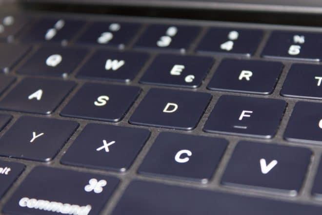 macbook Angetoucht: Das MacBook Pro mit Touch Bar im Test Tastatur Nahaufnahme 660x440