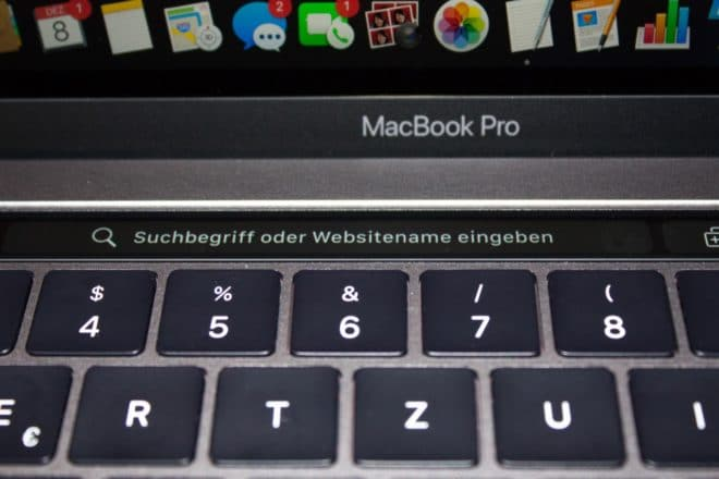 macbook Angetoucht: Das MacBook Pro mit Touch Bar im Test TouchBar Safari Suchbegriff eingeben 660x440