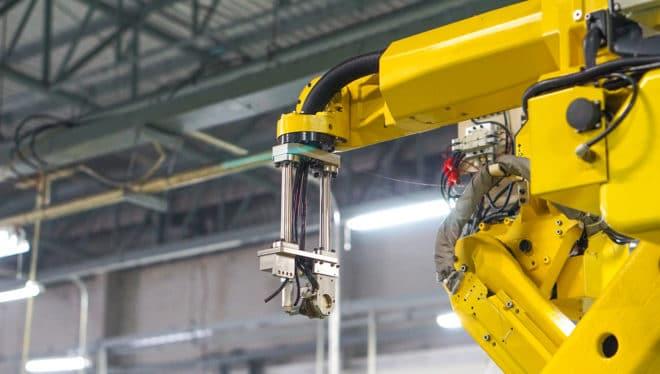 Industrie Smart Services und Sicherheit bei Industrie 4.0 bigstock 160147430 660x374