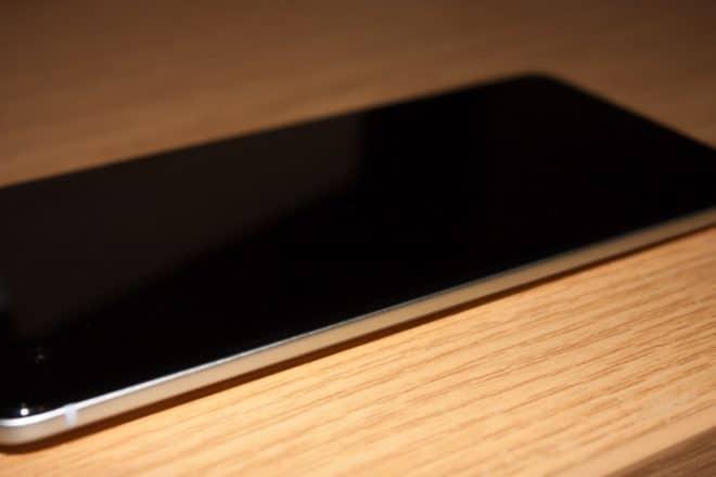 08 - HTC Ultra - linke Seite htc u ultra Das HTC U Ultra im Test – riesiges Smartphone ohne Killer-Feature 08 HTC Ultra linke Seite 660x440