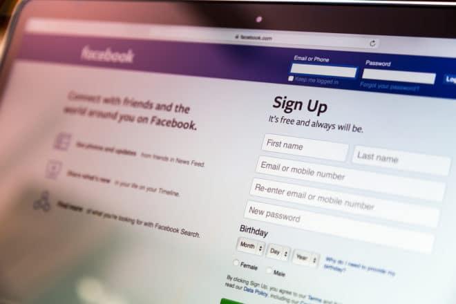 Facebook Facebook Urteil: Facebook muss nicht selbstständig nach rechtswidrigen Inhalten suchen bigstock Loei Thailand August 99595229 660x440