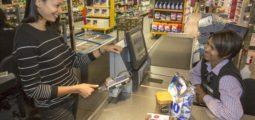 Mastercard stellt erste Kreditkarte mit Fingerabdrucksensor vor
