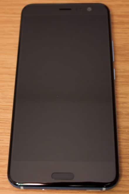 htc u11, htc, htc u HTC U11 im Test: Groß, stark und scharf 6 HTC U11 Vorderseite 440x660