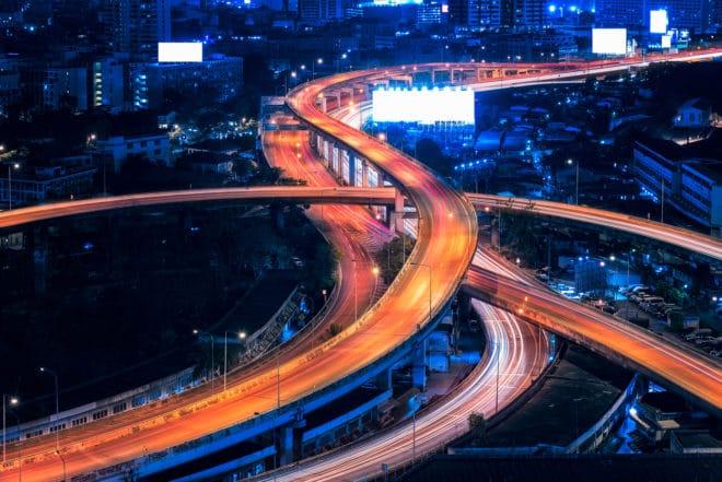 """Symbolbild Autonom Fahren, Autobahn netzfragen Netzfragen: Vorratsdatenspeicherung ist """"einfach von Grund auf abzulehnen"""" autonom fahren 660x441"""
