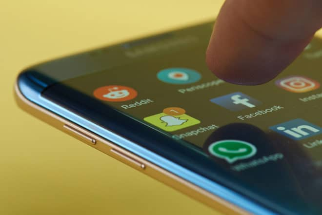 Soziale Netzwerke Symbolbild netzwerkdurchsetzungsgesetz Netzwerkdurchsetzungsgesetz – Gegen Hetze in sozialen Netzwerken soziale Netzwerke 660x441