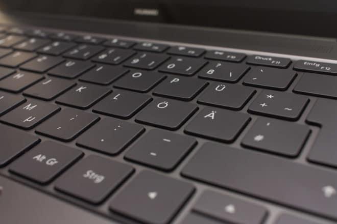 huawei matebook Test: Huawei MateBook X – Kann Huawei auch Notebooks? 13 Tastatur Detail 660x440